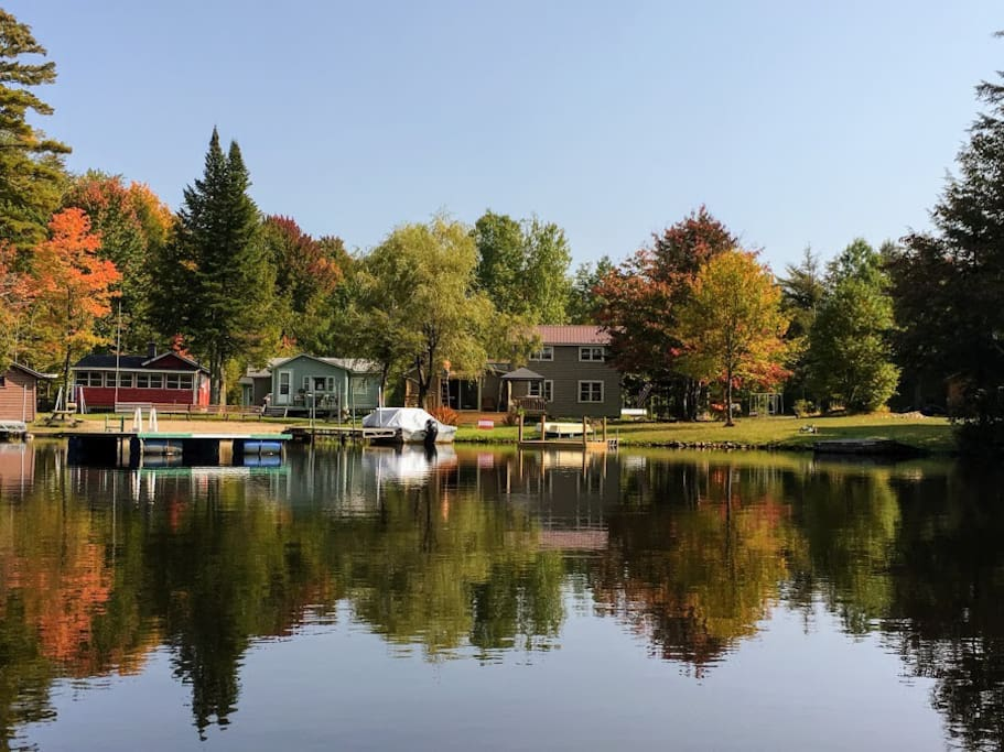 100' of Lake front - Large Private Yard