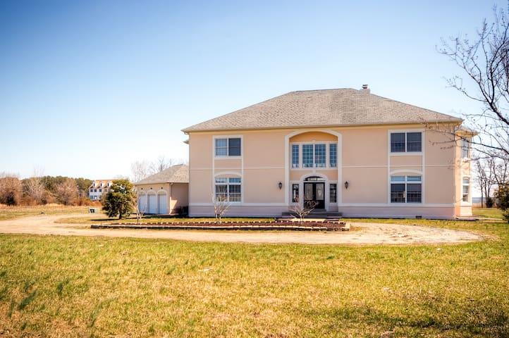 Impressive 3BR Stevensville House - Stevensville - Ev
