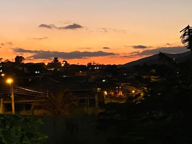 O pôr do sol do paraíso, no centro da cidade!