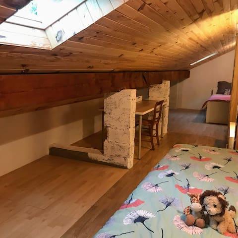 Chambre sous comble - Attic room