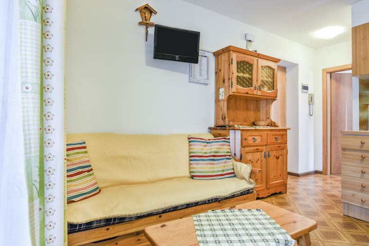 """Cosy Holiday """"Apartment Fraine"""" (CIPAT number: 022250-AT-672364) with Mountain View & Wi-Fi; Parking Available, Pets Allowed upon Request"""