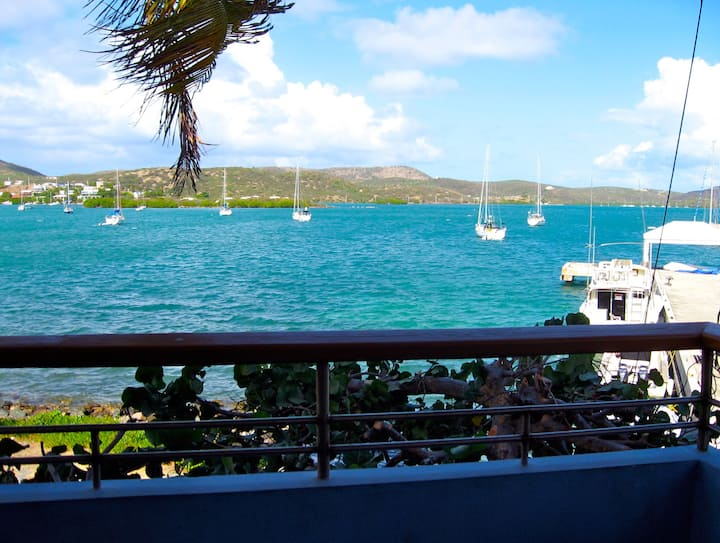 Coral Cove - Waterfront Culebra Apartment