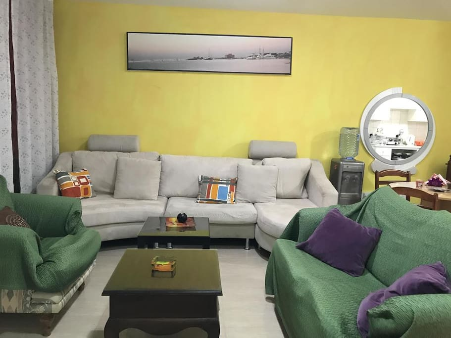 Living room: 3 soffas (the big one could be an extra bed)