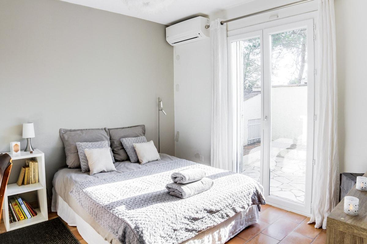 Bureau Chambre Luca : Plume chambre privée villen zur miete in valbonne provence