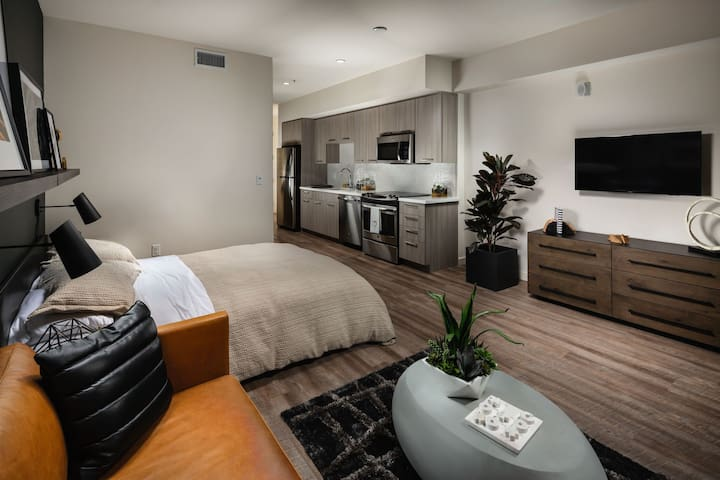 Clean apt just for you | Studio in Los Angeles