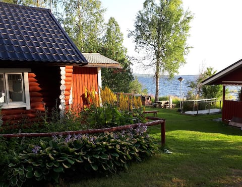 Wonderful lakeside cottage at Vietonen