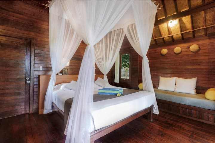 The Amazing & Cozy Room near Song Lambung beach
