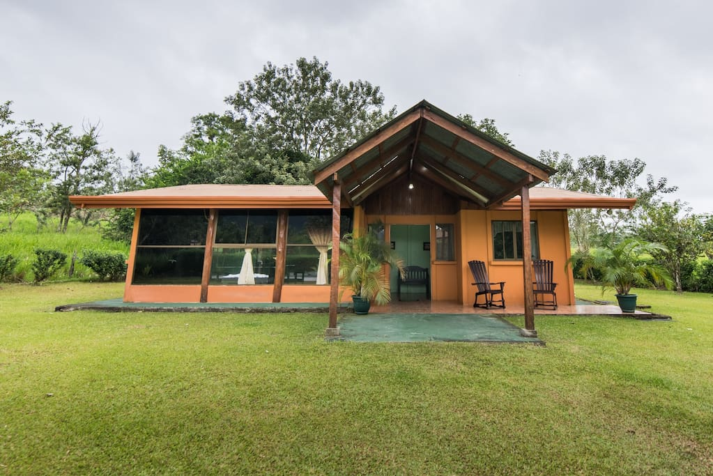 Front view, great green areas to play with your kids and enjoy the amazing view to Arenal Volcano