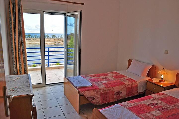 apartment on the beach-Crete
