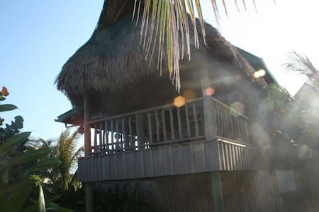 Beachside Cabana 1 - Guanaja