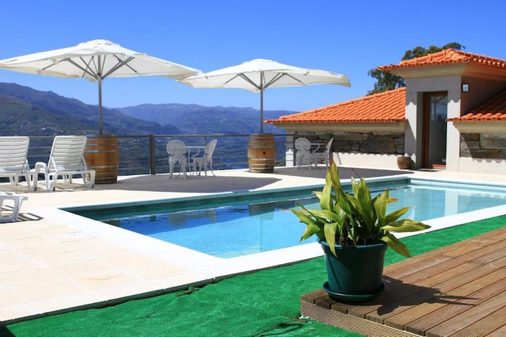 House at Douro, with private pool and top views