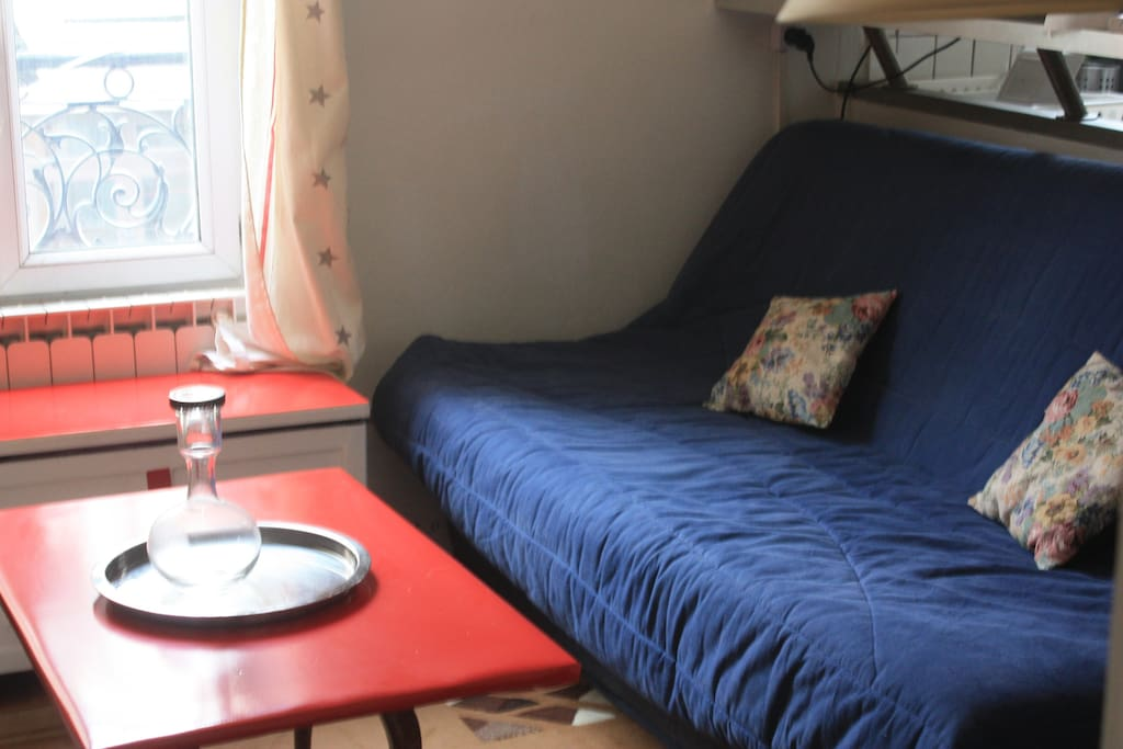 Extra sofa bed (opening for 2 people)