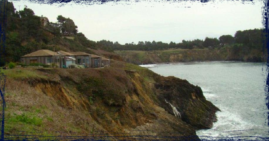 Ocean View Room Directly on Bluff - Mendocino - Bed & Breakfast