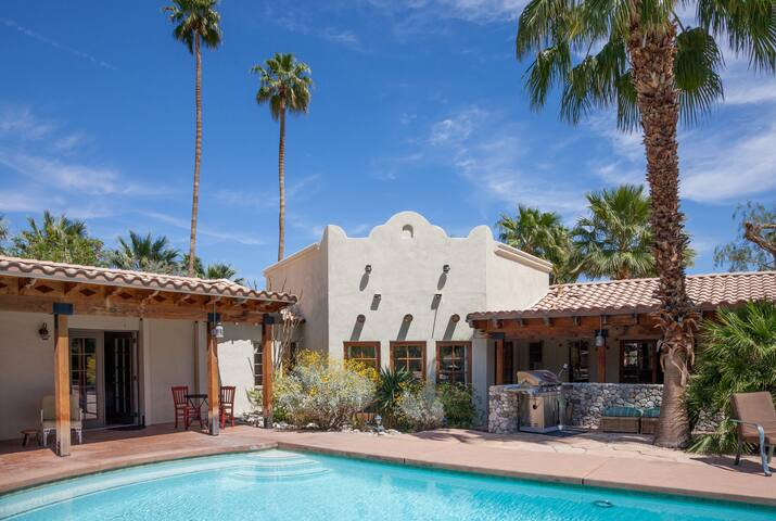 TWO Palm Springs Suites w/private entries