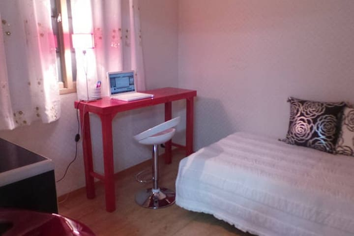 room3 super single bed 100x200