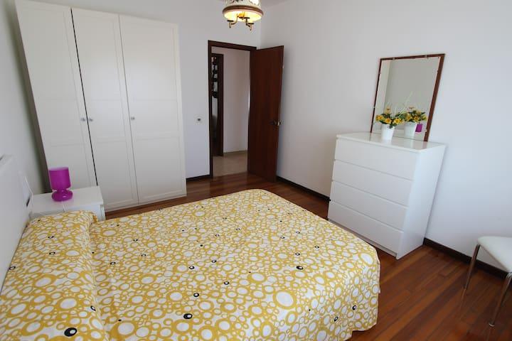 Spacious Flat in Boiro - Boiro - Appartement