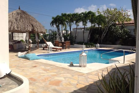 La Casita by the beach - Aruba