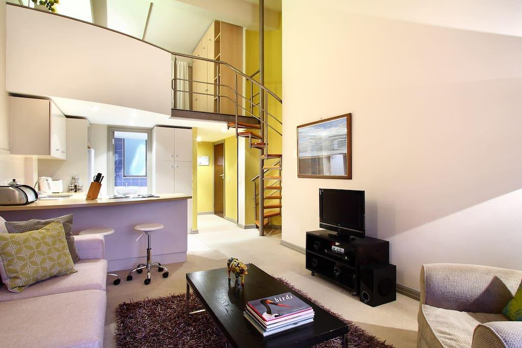Citi-Loft Lounge and Kitchen Area