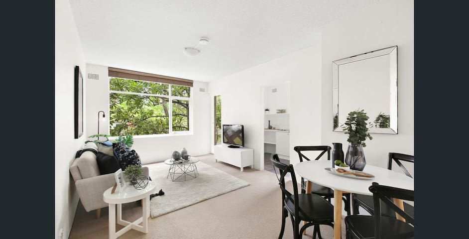 1 -bed unit in the heart of Mosman village ❤️