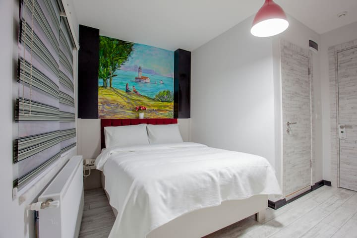 4 minutes to Taksim Square - Deluxe Room (SEM 3)