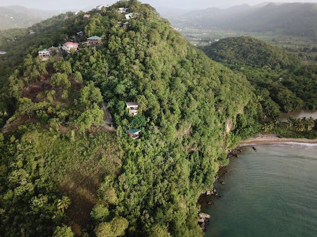 Hummingbird Hangout - the best sea view in Marigot