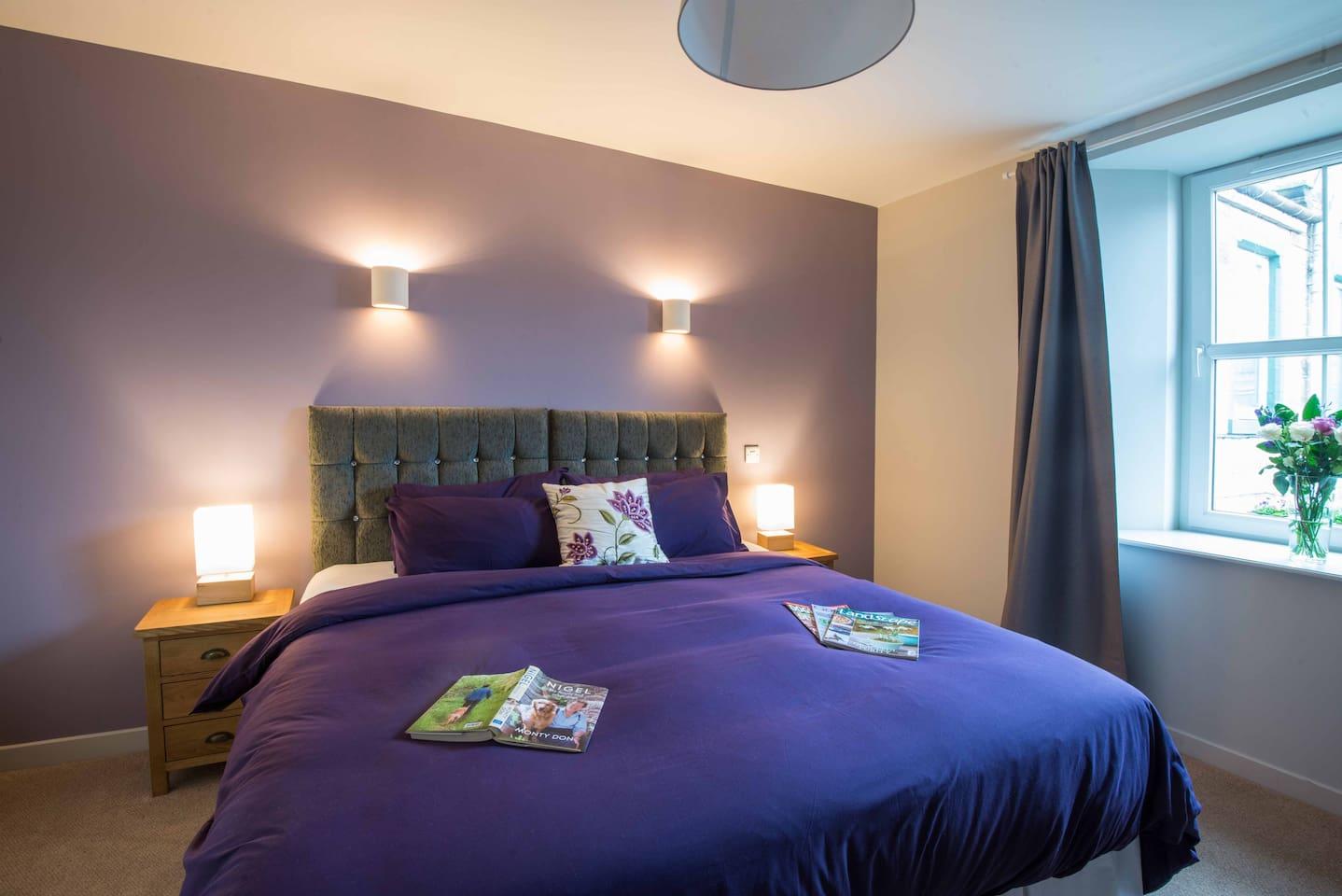 Superking bedroom, ensuite