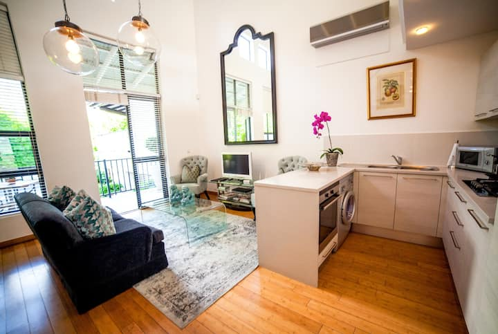 Superior 2 Bedroom Apartment at The Ivy Apartments