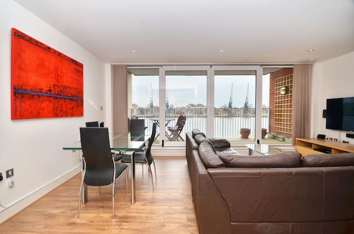 Luxury River View, Large Balcony - Londen - Appartement