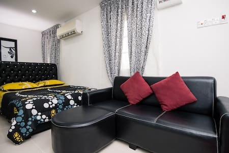 Studio Unit infront of Klang GH  - Klang