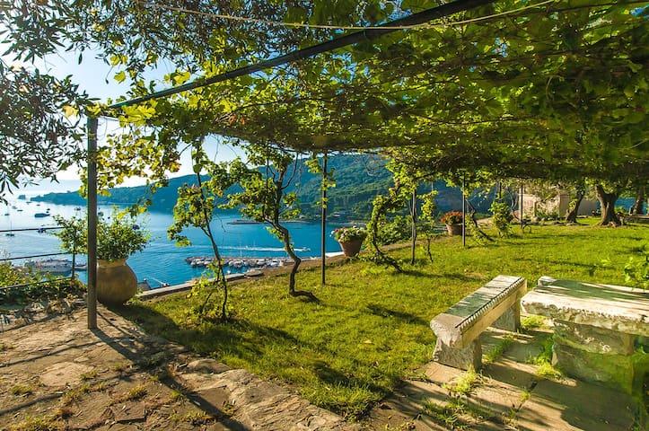 PORTOVENERE CASTLE VILLA MEMORABLE SEA VIEW - Portovenere - วิลล่า