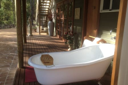 Paradise in the forest - Mundaring