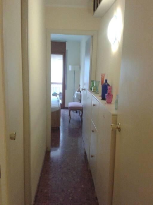 Repartidor habitación 1