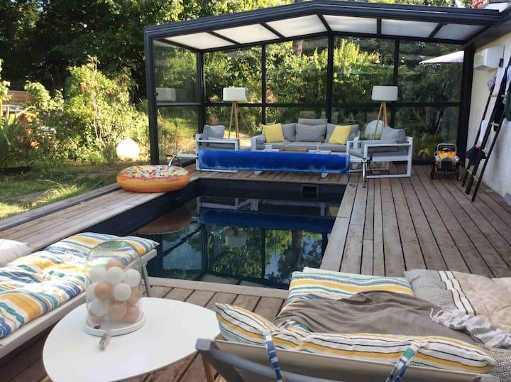 Portes Bordeaux: lit Queen size +piscine couverte