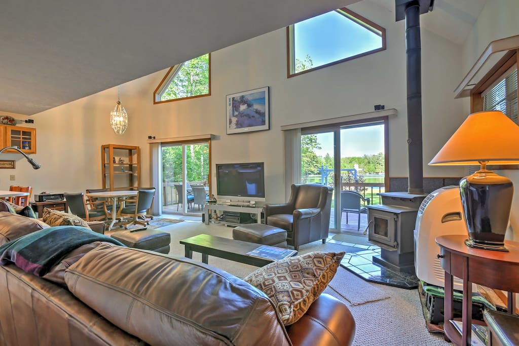 Enjoy the lake views from the back deck or step inside and admire them from the spacious living area.