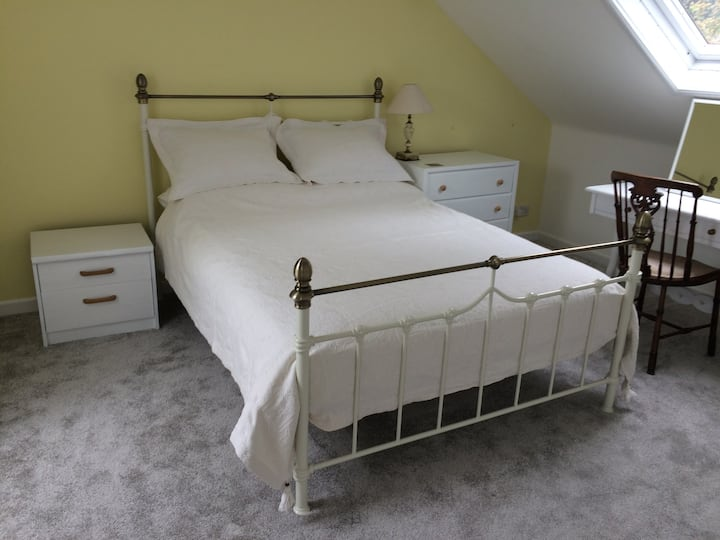 Double En-suite room Okehampton Town Centre house