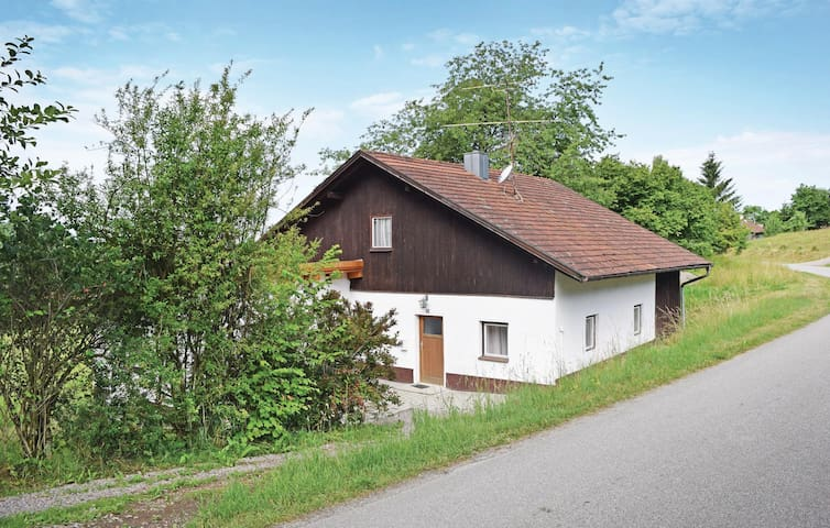 Holiday cottage with 2 bedrooms on 75m² in Wiesenfelden
