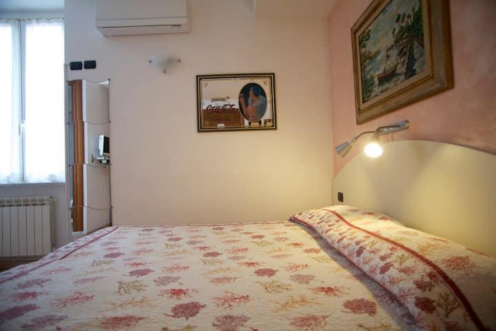 Room Monica