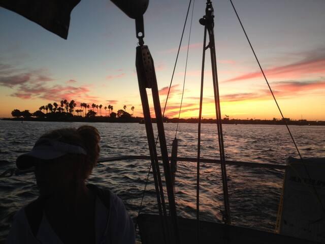 27 foot Catalina Sailboat