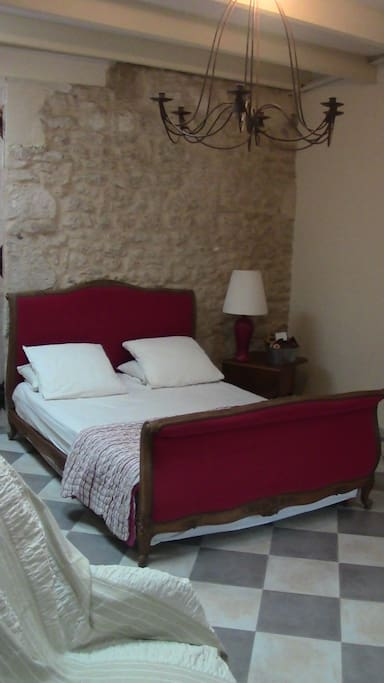 lit double 140/ très bonne literie