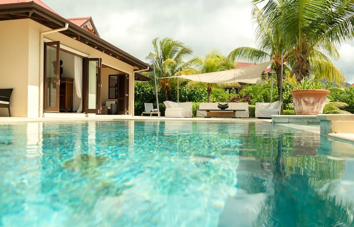 Eden Island Luxury 3 BDR Villa with Salted Pool