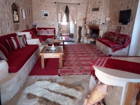 Villa avec cheminée et  piscine à Tamezret
