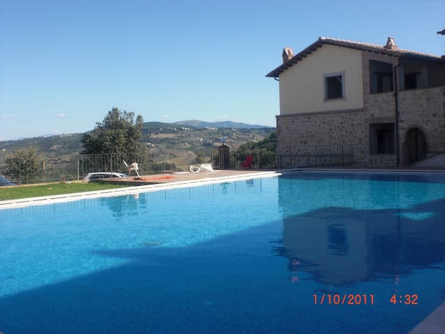 App.to in Borgo con piscina Todi - Collazzone - Appartement