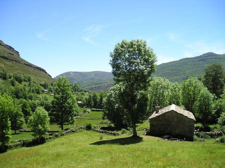 Beautiful restored pasiega cabin