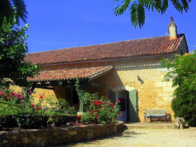 """""""la Martinette"""" piscine privée - Villamblard - Дом"""
