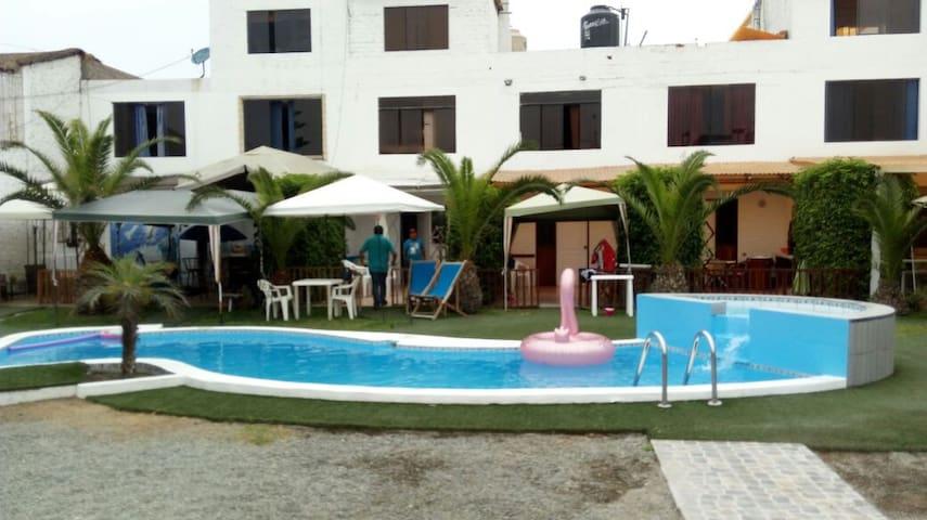 Casa con piscina en Playa Pulpos