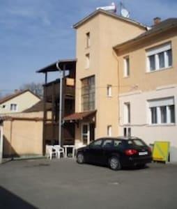 Miskolcon egy sajat szoba kiado - Miskolc - Casa
