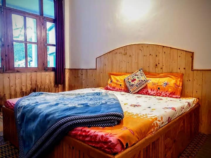 Lazy Bear Homes(Standard), Old Manali