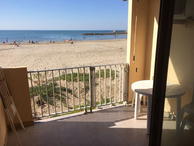 F2 cabine sur la plage, parking, clim, wifi