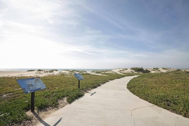 Relaxing Beachside Getaway - Port Hueneme - Condominium