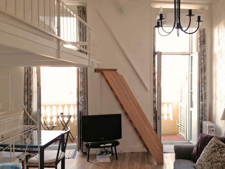 Sunny Loft in Old Town: balcony, view, a/c, wifi